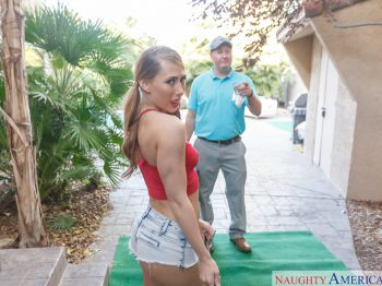 Carter Cruise in Hole in One 01